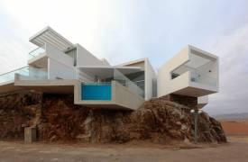 Дом на утесе в Перу