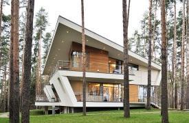 Складки и изломы: частный жилой дом в поселке «Горки-6»