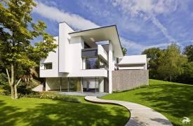 Эксцентричный минимализм: SU House в Штутгарте